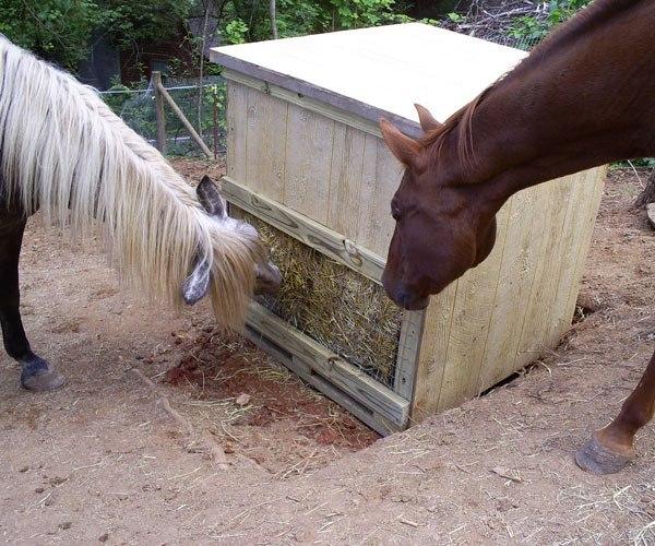Кормушки для лошадей своими руками 15